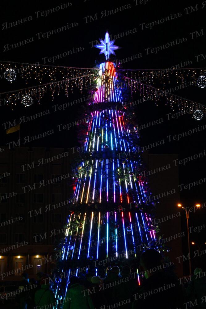 Купить освещения на уличную елку